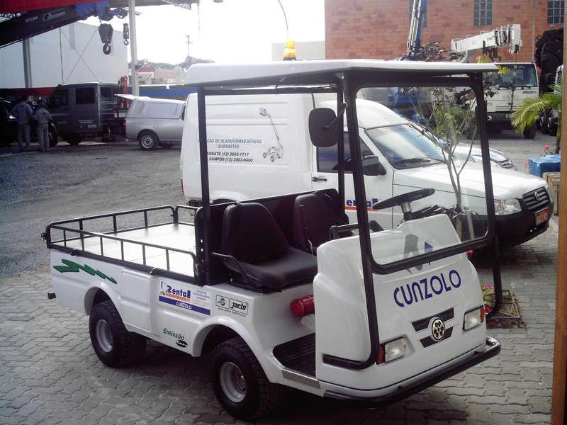 O Veículo de Transporte Elétrico é versátil para transporte de passageiro, motorista e alguma carga. Pode auxiliar na logística e na manutenção de diversos locais. Uma solução rápida para cada necessidade.