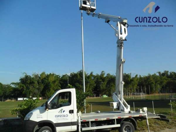 Operação com Plataforma Elevatória em São José dos Campos - SP