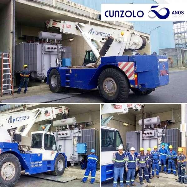 Equipe de Remoção Industrial e Guindaste Industrial Ormig 45 toneladas em Ação.O transporte de transformador de 25 toneladas foi realizado com agilidade e total segurança em empresa na cidade de São José dos Campos.